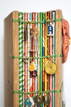 Die mit Unterschrift Serie: Amy Tan Projekte - The One with Signature Series: Amy Tan Projects Paige Taylor Evans: Der mit der Signatur Serie: Amy Tan Projects Handmade Notebook, Handmade Journals, Handmade Books, Handmade Crafts, Handmade Rugs, Book Crafts, Paper Crafts, Amy Tan, Bookbinding Tutorial