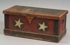 Pine Paint-decorated Militia Box, New England, c. Painted Chest, Painted Boxes, Wooden Boxes, Antique Chest, Antique Boxes, Primitive Furniture, Pine Furniture, Furniture Redo, Antique Furniture