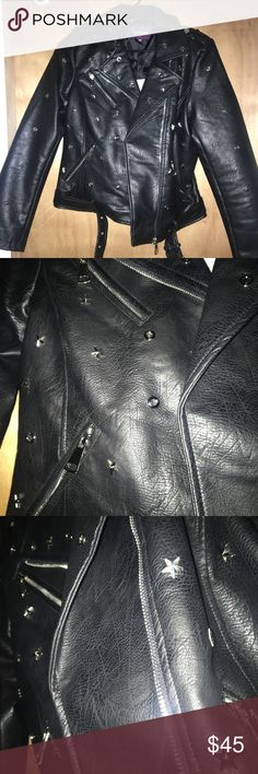 BRAND NEW FAUX LEATHER JACKET Bought 2 leather jacket from Nordstrom and liked the other one better than this one. Still such a cute jacket, but not my style. Hoping someone on here would love this instead of returning to store!! Brand new, never worn, tags still on. Solely taken out of box for pictures then put back. Let me know if you have any questions about this cute jacket!! Vigoss Jackets & Coats