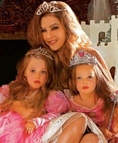 Lisa Marie Presley Photos. Pictures of Lisa Marie twins finley and harper. granddaughters of elvis
