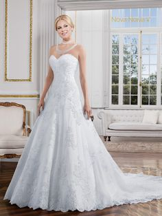 Isabel - Poème 06 #vestidosdenoiva #noiva #vestidodenoiva #bride #wedding #casamento #weddingdress #weddingdresses #bridaldress
