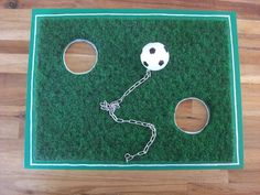 Überall & Nirgendwo: Fußball-Geburtstag Einladungen Presents, Kids Rugs, Birthday, Diy, Party, Football Invitations, Invitations Kids, Invitation Birthday, Football Snacks