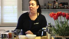 El aromático blend SensualTea inspira la propuesta que han preparado Gabbie y Olivier para celebrar un San Valentín lleno de pasión. Coffee Maker, Kitchen Appliances, Tea, Cooking, Best Recipes, Proposal, Valentines, Coffee Maker Machine, Diy Kitchen Appliances