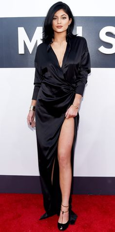 Kylie Jenner in a Alexandre Vauthier gown with Gucci shoes, a Giles & Brother necklace, and Jennifer Fisher rings and earrings at MTV VMAs 2014