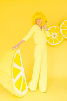 When Life Gives You Lemons: DIY Lemon Photo Booth   Studio DIY®