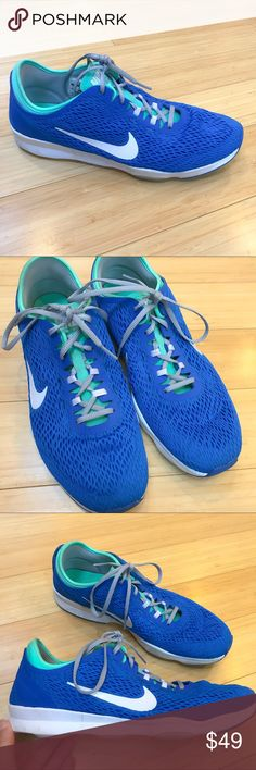 NIKE Zoom Fit sneakers, women's 10. Really awesome running sneakers by Nike, zoom fit, size women's 10. Pre-loved and very lightly used, please see pictures. Still very good condition. Nike Shoes Sneakers