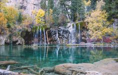 Peak foliage at Hanging Lake [OC][5575x3565] http://ift.tt/2xzgFEp