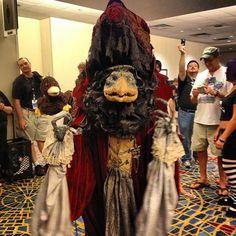 skeksi cosplay from the dark crystal at dragon con