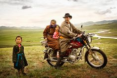 Portraits of Traditional Mongolian Nomads by Brian Hodges - Feature Shoot