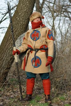 Saxon warrior around 800 AD, Franko-Saxon war, in winter dress. Material is wool, leather and linen. All clothing is self- and handmade. Picture by Daniel Wolfen.