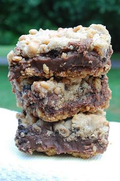 Fudgy Chocolate Chip Toffee Bars. I'm pretty sure I already pinned this four times. Guess that means I should make it.