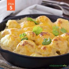Mozzarella, Macaroni And Cheese, Curry, Ethnic Recipes, Food, Mac Cheese, Meal, Essen, Hoods