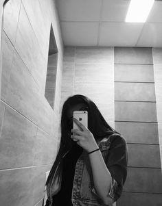 ㅤㅤ ㅤeris' gg images from the web Selfie Teen Girl Photography, Tumblr Photography, Photography Poses, Shadow Photography, Cool Girl Pictures, Girl Photos, Girl Photo Poses, Cute Girl Photo, Cute Selfie Ideas