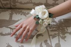 Corsage Wedding, Wedding Bouquets, Wedding Flowers, Flower Corsage, Wrist Corsage, Corsage And Boutonniere, Boutonnieres, Flower Crown, Bridal Accessories