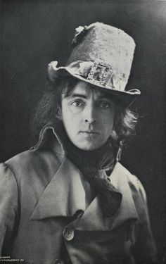 Legendary British Victorian stage actor Sir John Martin Harvey (who bears, I think, a striking resemblance to Oscar Wilde) and his rather delight hat. Victorian 19th century