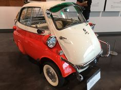 1958 BMW Isetta 300, 1 door coupe Bmw Isetta, Funny Cars, Car Humor, Future Car, Cool Cars, Bubble, 1950s, Automobile, Ford