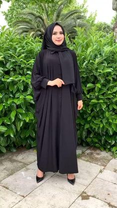 Niqab Fashion, Frock Fashion, Latest Dress Design, Stylish Dress Designs, Mode Abaya, Mode Hijab, Kaftan Designs, Muslim Women Fashion, Prom Dresses Long With Sleeves