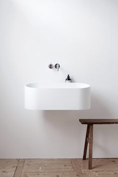 Fuse is available in white Cristalplant and also in a version that combines white Cristalplant with a dark soft touch coating on the outside. For projects Not Only White can offer Fuse in other soft touch coating colours. #Notonlywhite