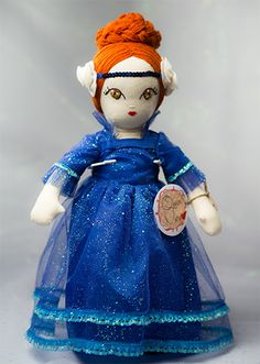 Queen Mary - Handmade Collection Cloth Dolls by Manolitas Queen Mary, Art Dolls, Doll Clothes, Fairy Tales, Textiles, Disney Princess, Trending Outfits, Disney Characters, Classic