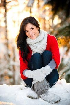 Winter Senior Picture Ideas for Girls | senior picture ideas.