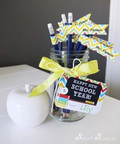 FREE gift tags FOR YOUR NEW TEACHER! Customizable pencil tags, too! Back to School FREE Printable Teacher's Gift via Kara's Party Ideas