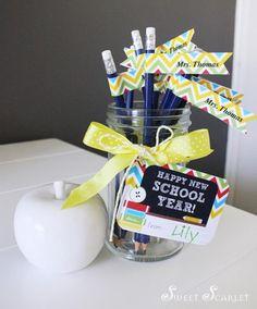 FREE gift tags FOR YOUR NEW TEACHER! Customizable pencil tags, too! Back to School FREE Printable Teacher's Gift via Kara's Party Ideas | KarasPartyIdeas.com #BackToSchool #Ideas #Supplies #TAGS #free #teachergifts #teachergiftideas
