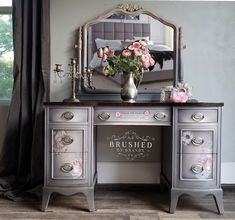 I am often asked about my favorite paint colors that I have used to blend together on furniture. I have finally compiled a list of my Top 20 Dixie Belle Paint Company combos for blending! Chalk Paint Furniture, Funky Furniture, Unique Furniture, Shabby Chic Furniture, Furniture Projects, Furniture Makeover, Vintage Furniture, Plywood Furniture, Furniture Design