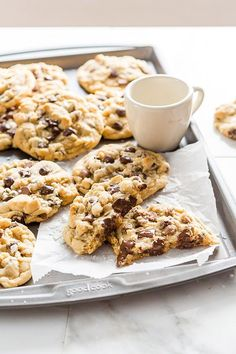 Best Ever Gooey Chocolate Chip Cookies – Soft, chocolatey, and delicious, these are the Best Ever Gooey Chocolate Chip Cookies. Chewy chocolate chip cookies that. Gooey Chocolate Chip Cookies, Semi Sweet Chocolate Chips, Chocolate Chocolate, Baking Recipes, Cookie Recipes, Cookie Ideas, Delicious Desserts, Yummy Food, Delicious Cookies
