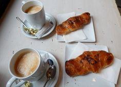 Cafe' au lait and croissants