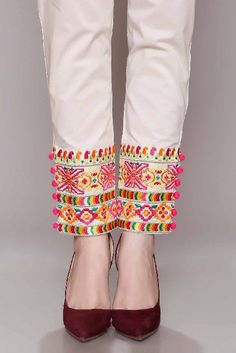 Pair with plain white with piping or colored buttons Salwar Designs, Blouse Designs, Indian Designer Outfits, Indian Outfits, Salwar Pants, Plazzo Pants, Trouser Pants, Pakistani Couture, Pakistani Dresses