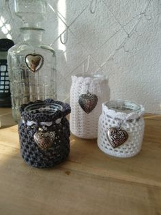Can I do a goat picture on it? Love Crochet, Crochet Gifts, Diy Crochet, Crochet Jar Covers, Crochet Home Decor, Decorated Jars, Bottles And Jars, Mason Jar Crafts, Crochet Accessories