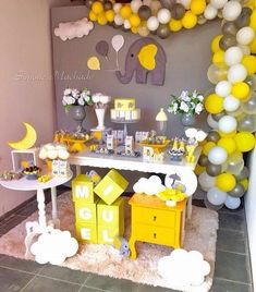 The cutest yellow baby shower ideas you need to see toys, kids .- Die süßesten gelben Baby-Dusche-Ideen, die Sie sehen müssen Spielzeug, Kinder… The cutest yellow baby shower ideas you& see … - Baby Shower Cakes, Baby Shower Table, Baby Shower Favors, Baby Shower Themes, Baby Boy Shower, Shower Ideas, Unisex Baby Shower, Shower Party, Comida Para Baby Shower