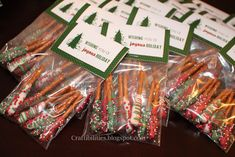 Easy dipped pretzels for kids to make for classmates! Free gift tag too. Sweets Christmas Gifts, Christmas Class Treats, Homemade Christmas Gifts, Christmas Love, Christmas Goodies, Holiday Gifts, Christmas Holidays, Holiday Treats, Christmas Presents