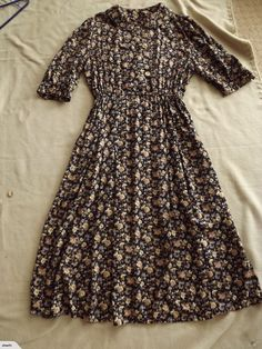 Pretty OLD FASHIONED FLORAL DRESS 14   Trade Me Dresses With Sleeves, Long Sleeve, Floral, Pretty, Fashion, Moda, Sleeve Dresses, Long Dress Patterns, Fashion Styles