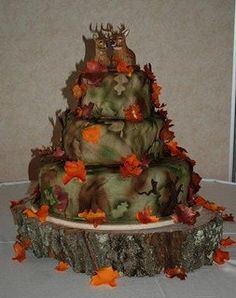 camouflage wedding grooms cake guru by cakeguru, via Flickr Now this is deff... different. But I like it a lot.
