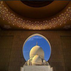 Sheikh Zayed Mosque, Abu Dhabi, UAE  جامع الشيخ زايد، أبوظبي، الإمارات  by @asitana