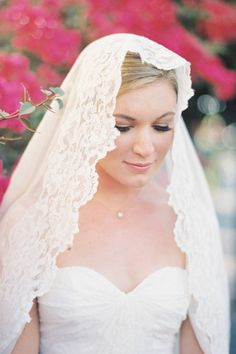 Edged in lace and draped delicately over the head, the Mantilla Veil has a gorgeous old word feel. See 15 show stopping wedding veils: