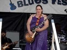 Wimmin of the world rejoice!  Joanna Connor / Video By Sodafixer / North Atlantic Blues fest 2014 / Awesome Slide! - YouTube