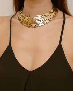 Feather Gold collar necklace Fashion by DouryAccessories on Etsy Fashion Jewelry Necklaces, Fashion Necklace, Jewelery, Fashion Jewellery, Dress Jewellery, Jewellery Rings, Trendy Jewelry, Cheap Jewelry, Gold Fashion