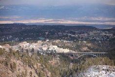 Population: 17,979Most Populous City: Los AlamosRetirement Index: 95.88Care Score: 83.0Housing Score... - Wikimedia Commons Los Alamos County, NM