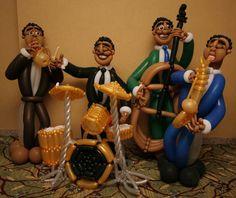 Balloon Artists Twist Sculptures -- Photos - WSJ.com