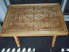Coffee table chip carved