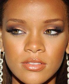 Rihanna navy copper eyeshadow #makeup #beauty #cosmetics