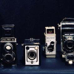 Time to take a selfi Vintage Camera Decor, Vintage Cameras, Antique Cameras, Photography Camera, Fine Art Photography, Art Pictures, Photos, Family Pictures, Old Fashioned Camera