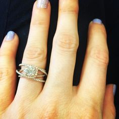 How unique and BEAUTIFUL is this ring?