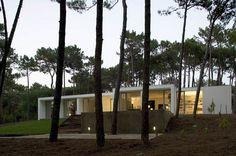Casa em Colares por Frederico Valsassina Arquitectos