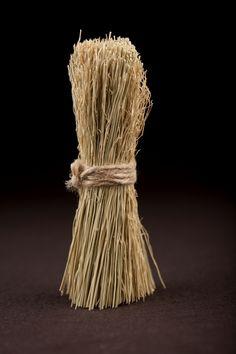 Pot scrubber broom