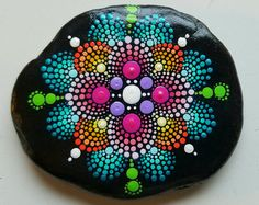 """Mandala actually is a sacred pactice enganged by Tibetan monks and many other cultures. Mandala words originated from classical Indian Sanskrit languange that could be losely means a """"circle"""". Here is DIY Mandala Rock Painting Mandala Painted Rocks, Painted Rocks Kids, Mandala Rocks, Mandala Art, Mandala Painting, Painted Stones, Easy Mandala, Rock Painting Patterns, Rock Painting Ideas Easy"""