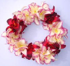 Hawaiian wedding lei Keywords: #weddings #jevelweddingplanning Follow Us: www.jevelweddingplanning.com  www.facebook.com/jevelweddingplanning/