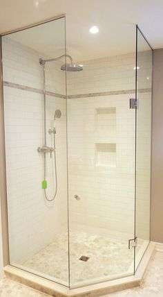 corner shower with frameless glass enclosure. Neutrals, white subway tile always timeless and nice Corner Shower Tile, Half Wall Shower, Glass Shower, Corner Showers, Bathroom Renos, Bathroom Renovations, Small Bathroom, Brass Bathroom, Washroom